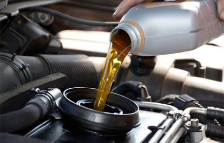 בדיקת שמן ומים ברכב